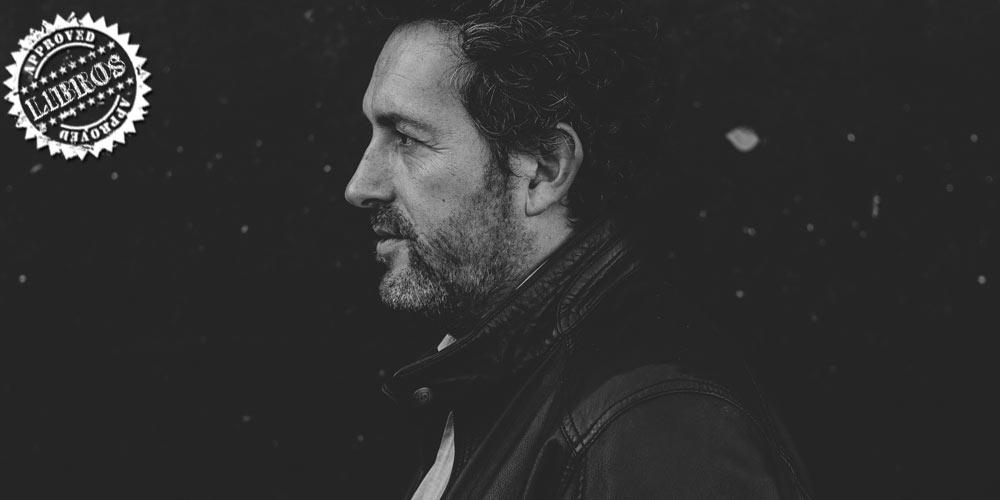 Entrevista Mikel Santiago autor de 'La isla de las últimas voces' post image