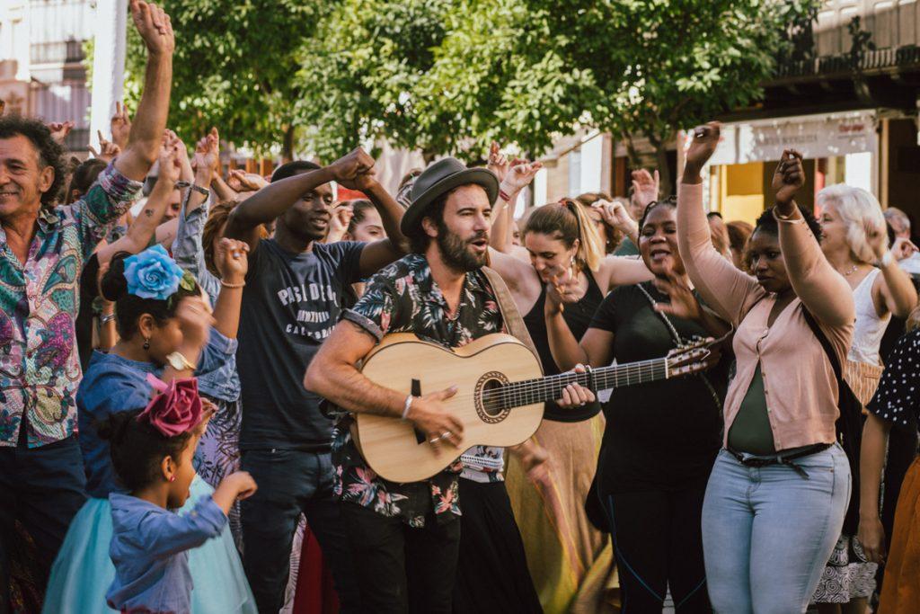 Refugiados del Aquarius trabajarán en el Festival Brota Música
