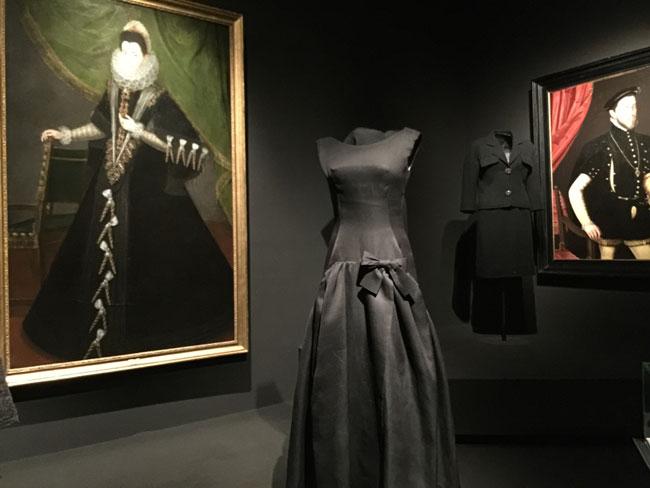 Balenciaga-Thyssen-Las Rozas Village: aprende a combinar ropa