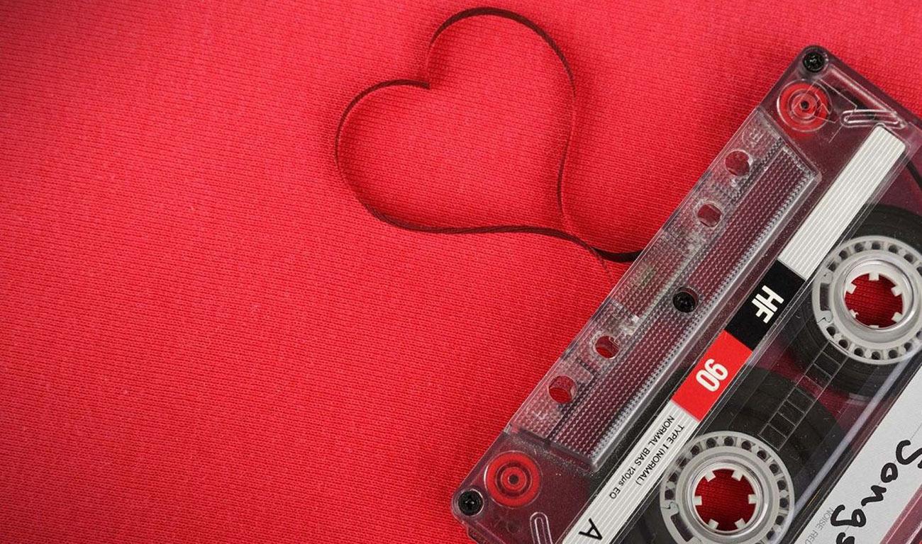 Canciones personalizadas el regalo más popular de las parejas 'millennials'