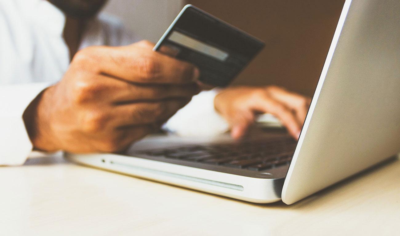 La compra online arrasa en el Black Friday y Navidad post image