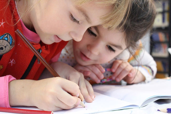 Beneficios de los libros de refuerzo educativo para los niños de primaria