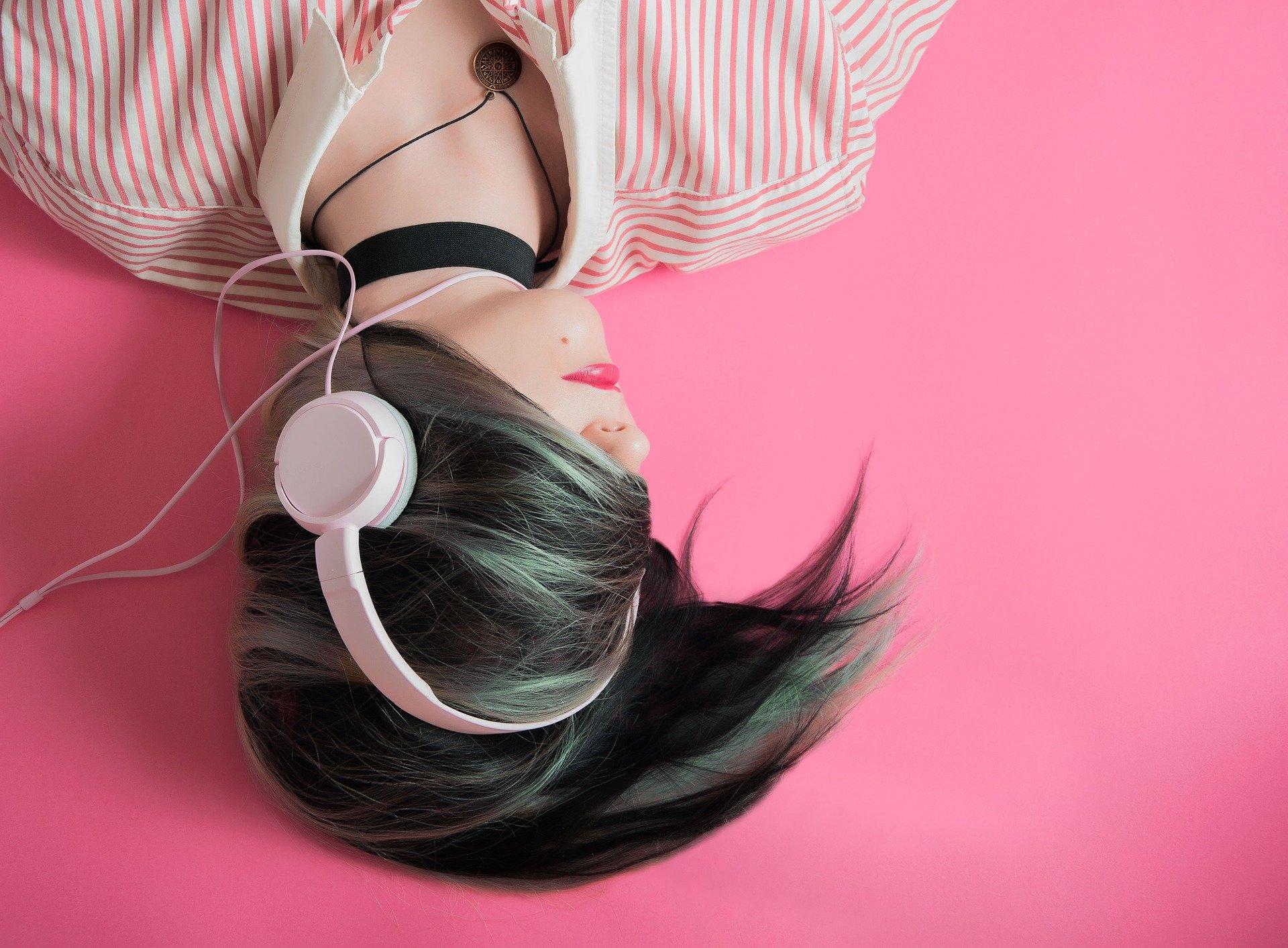 Descubre las 10 canciones más escuchadas de 2020